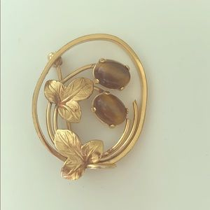 14k gf brooch vintage with a tiger eye stone